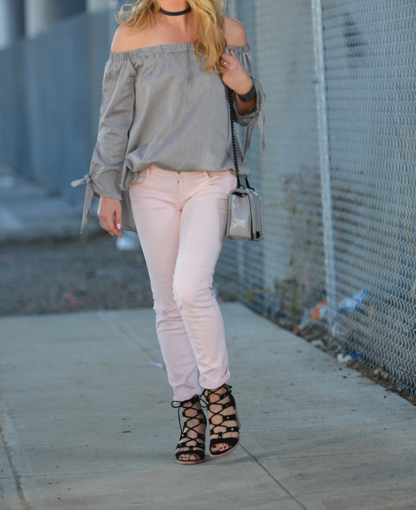 grey top pink jeans 8
