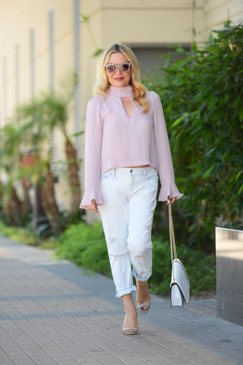 pink top boyfriend jeans 3